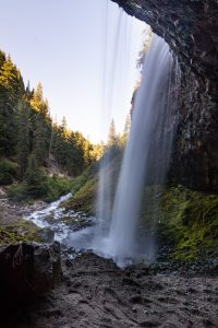 Tamanawas Falls Oregon hiking trail