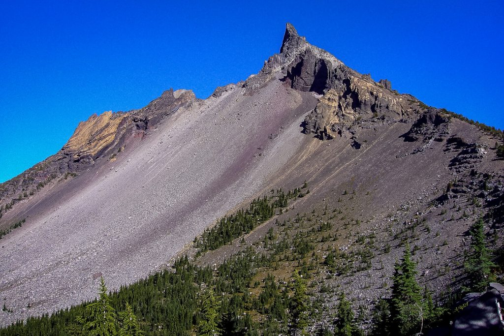 The jagged peaks of Mt.Thielsen.