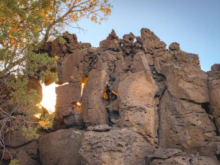 Hiking the Oregon Badlands to Flatiron Rock