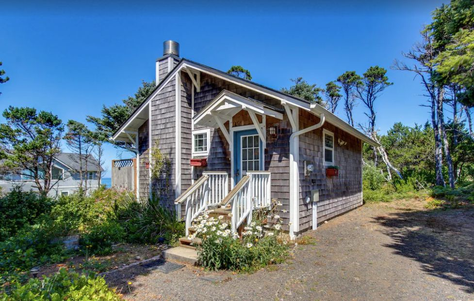 Screenshot photo of charming south beach cottage - oregon coast campgrounds