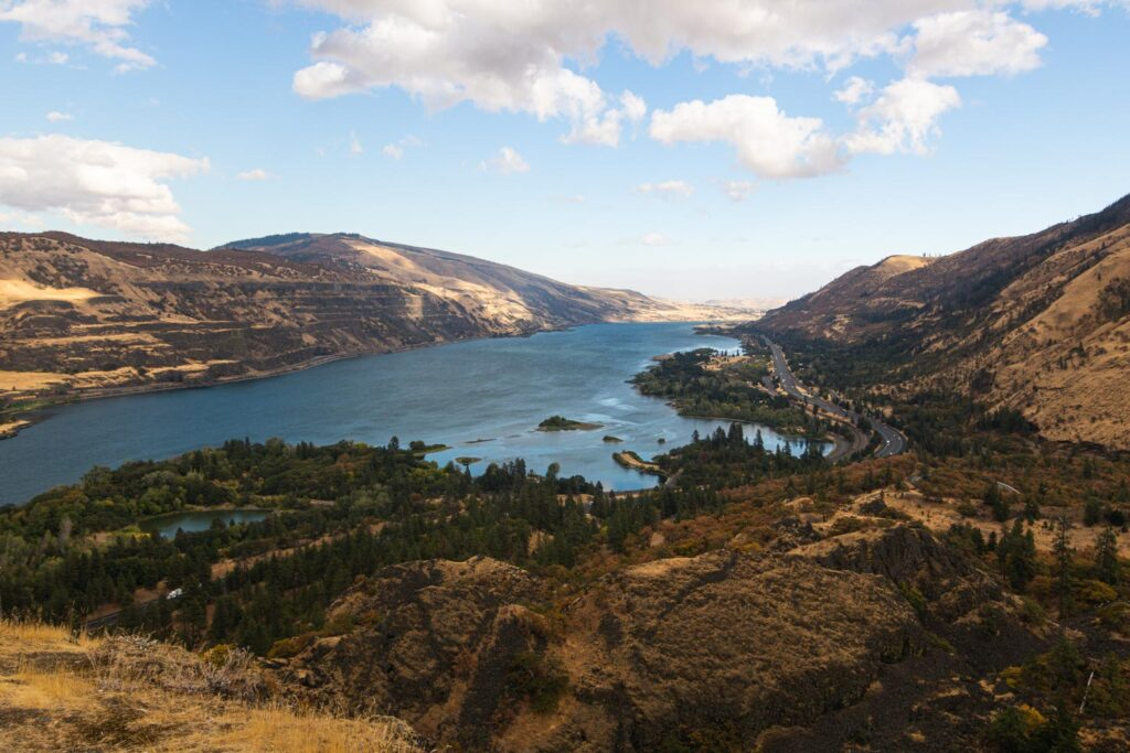 View on the Columbia River hikes