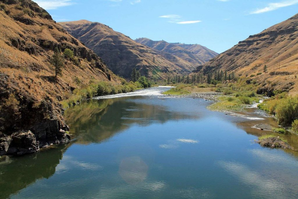 The crystal water of Grande Ronde River