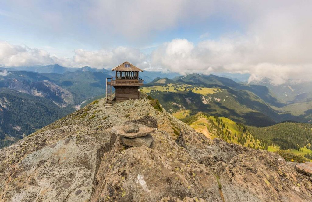 Fremont Lookout Trail is another beautiful thing to do in Washington.