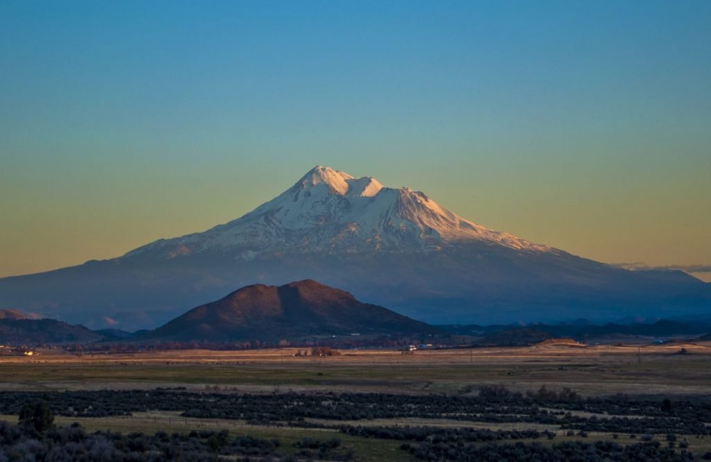Mount Shasta is an unmissable thing to do in Northern California
