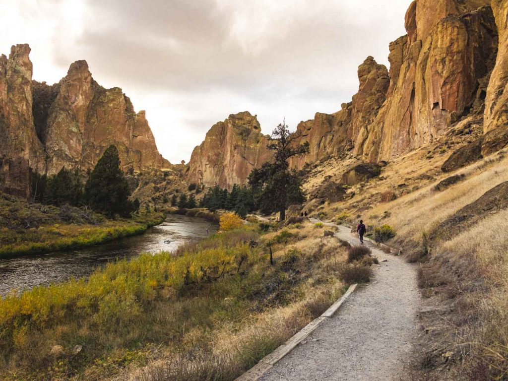 The hike along the Crooked River is one of many great hikes on the Smith Rock Trail.