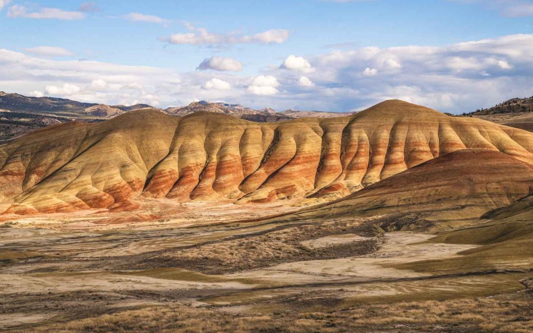 Your Guide to Exploring The Painted Hills—Oregon's Most Alien Landscape