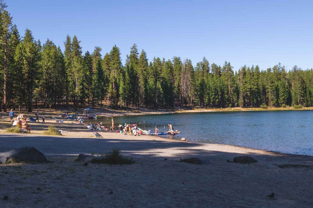 There are recreation areas you can use at Twin Lakes near the Cascade Lakes.