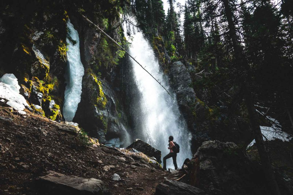 You won't be disappointed by this Oregon waterfall hike ⁠— Strawberry Falls.