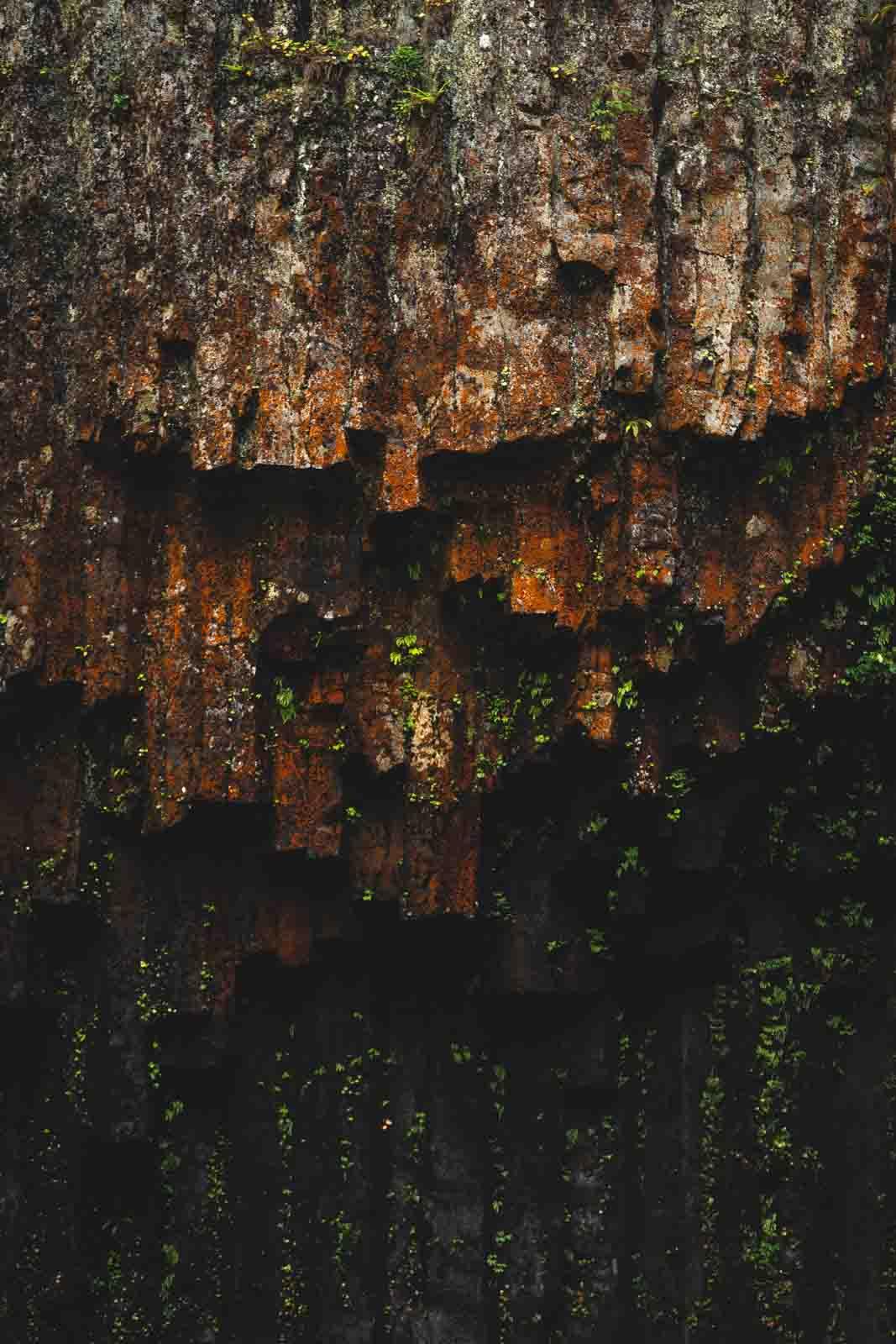 Abiqua Falls even has some volcanic walls.