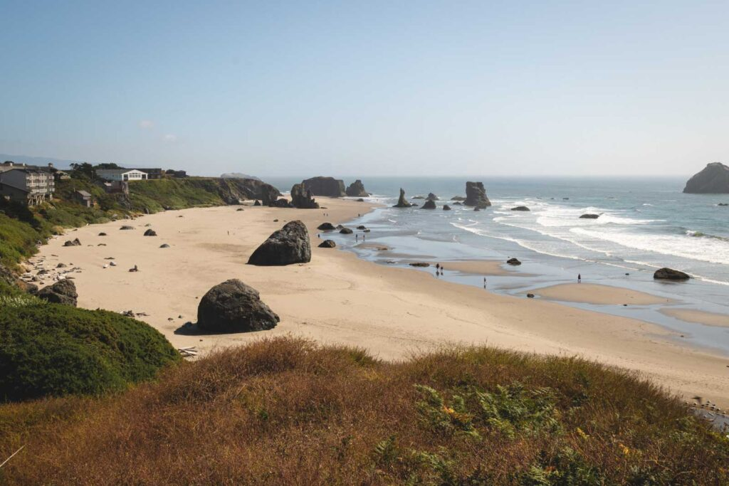 View over Bandon Beach and ocean - one of the best beaches in Oregon