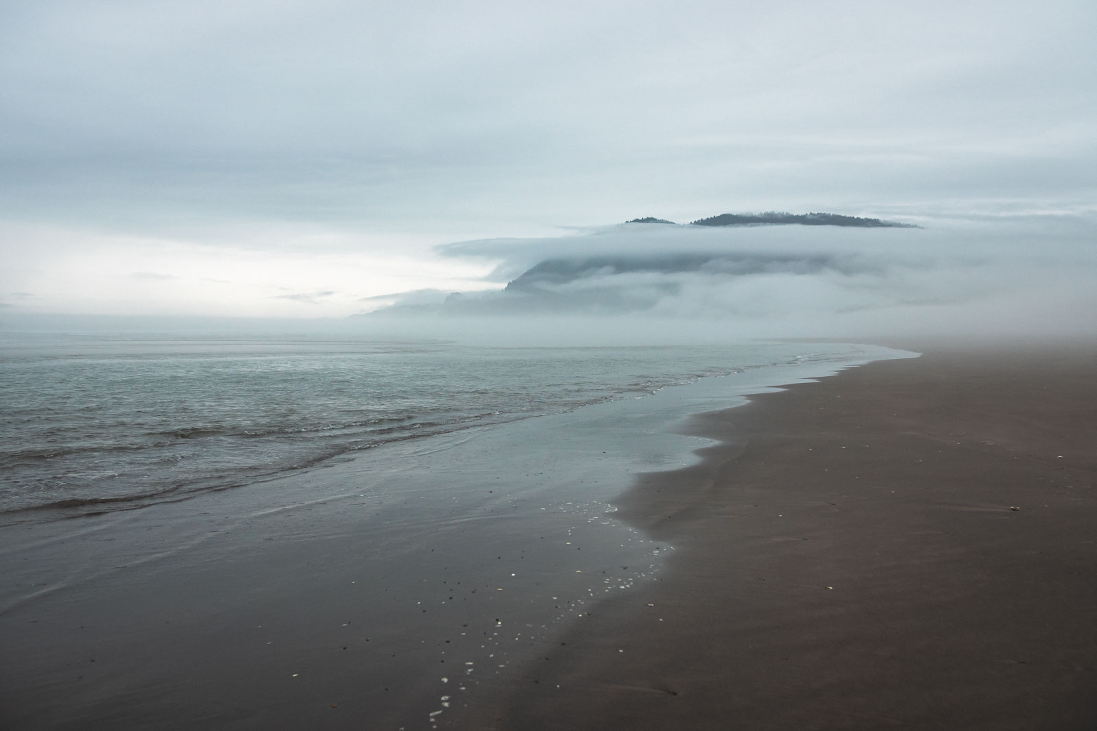 Beach and ocean view at Nehalem Bay State Park