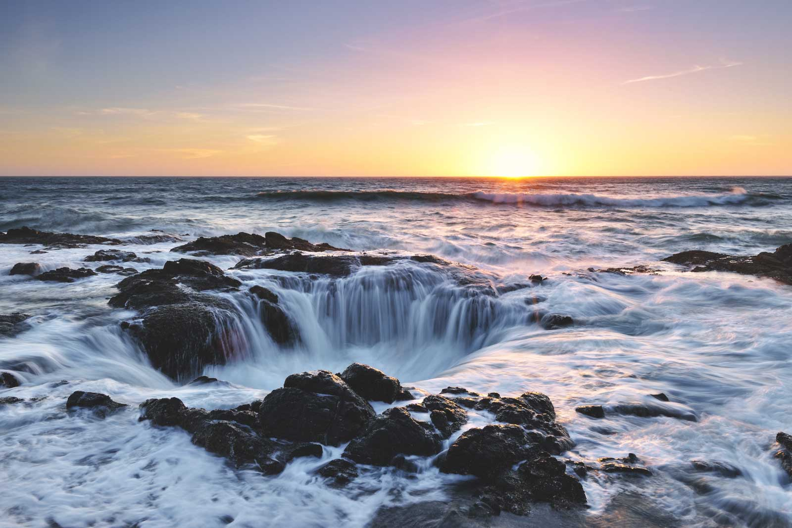 Visiting Thor's Well in Cape Perpetua, Oregon